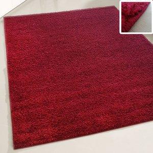 rood hoogpolig vloerkleed